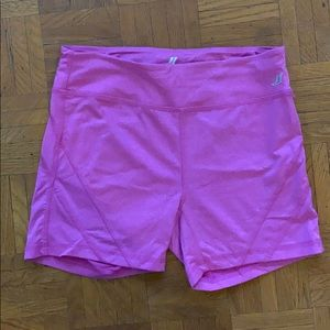 Fitted active bike shorts with zipper pocket